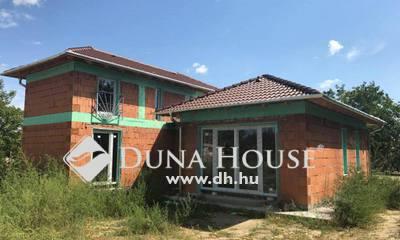 Eladó Ház, Bács-Kiskun megye, Kecskemét, Máriahegyben újépítésű családi ház