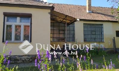Eladó Ház, Komárom-Esztergom megye, Bakonyszombathely, Csendes mellékutcában