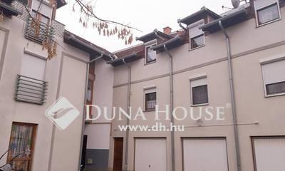 Eladó Lakás, Tolna megye, Dombóvár, Művelődési ház szomszédságában