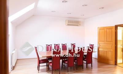 Eladó Ház, Baranya megye, Pécs, 'Önálló családi ház a Belváros szívében'