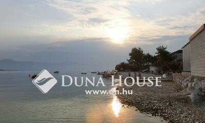 Eladó Lakás, Bács-Kiskun megye, Kecskemét, Horvátországi apartman