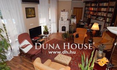 Eladó Ház, Budapest, 17 kerület, 2 szintes, medencés ház, csendes utcában.