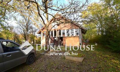Eladó Ház, Bács-Kiskun megye, Tiszaug, 120 m2-es vízparti horgásztanya 1218 m2-es telken